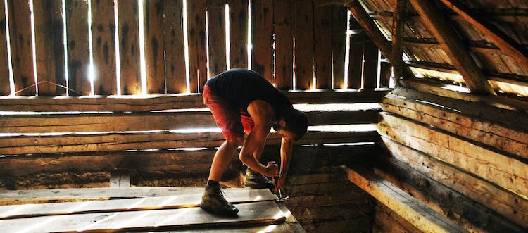 Tara Nomada old barn